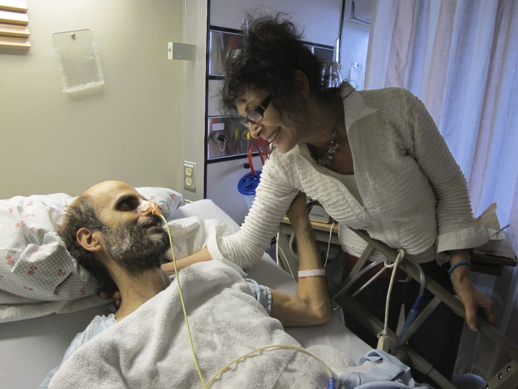 Image of Ruth and Alan at Sunnybrook hospital in 2010
