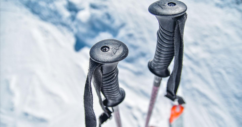 ski poles photo by urban sanden